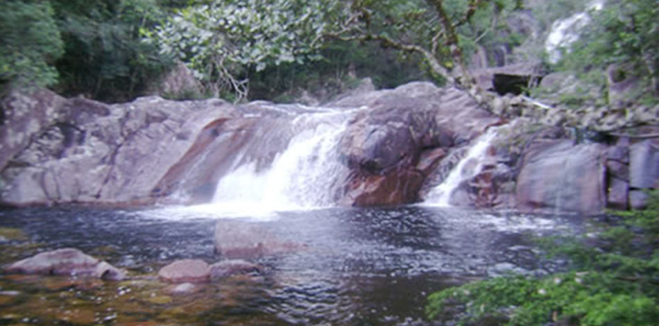 trilha cachoeira do rio vermelho