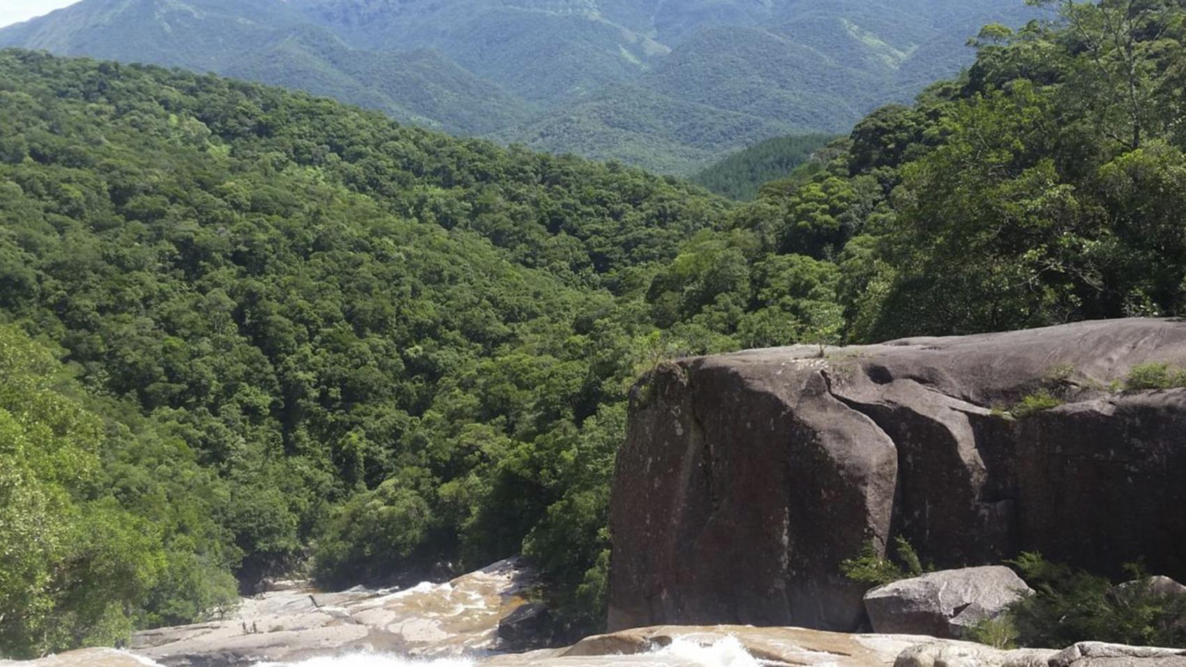 trilha-cachoeira-rio-vermelho