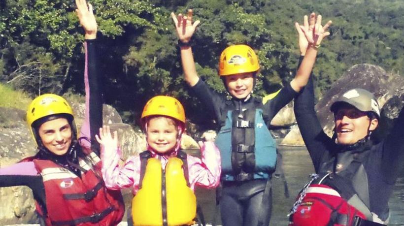 aventura rafting em familia