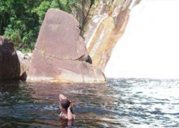mergulho na trilhada cachoeira do rio vermelho